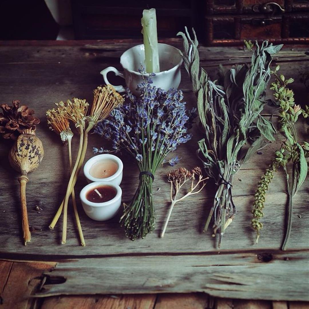 dried-herb-altar